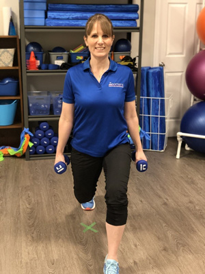 Laura Lundquist - Physiotherapist and Instructor for Knee boost home workouts